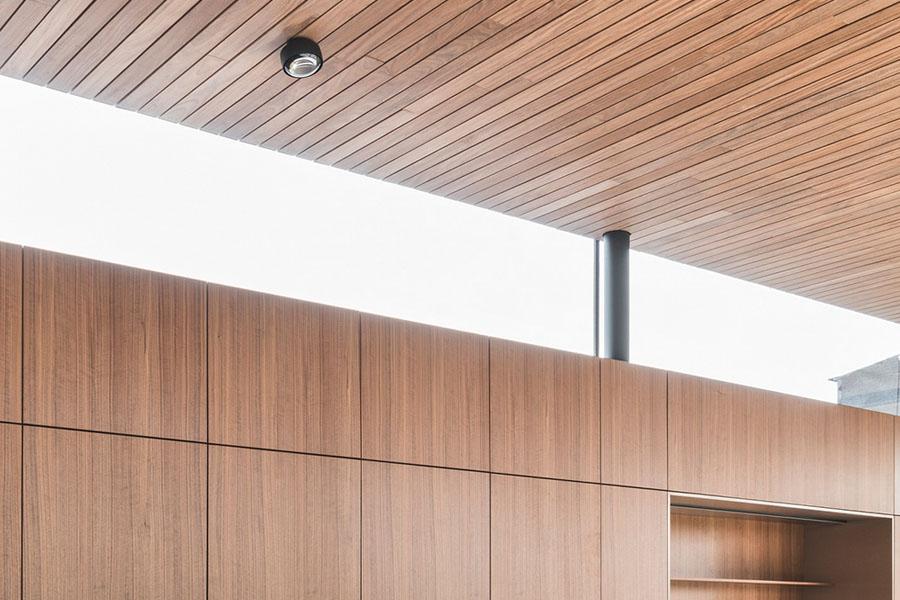 https://modle.nl/wp-content/uploads/2019/04/hout-fineer-plafond-1.jpg